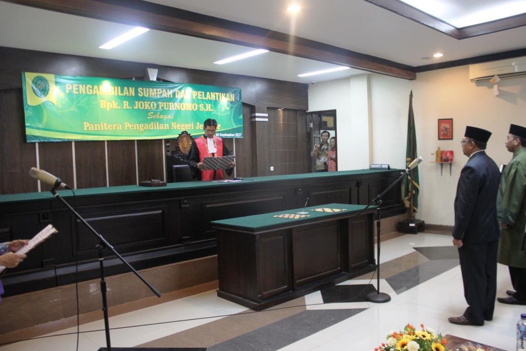 Pelantikan Panitera Pengadilan Negeri Jember