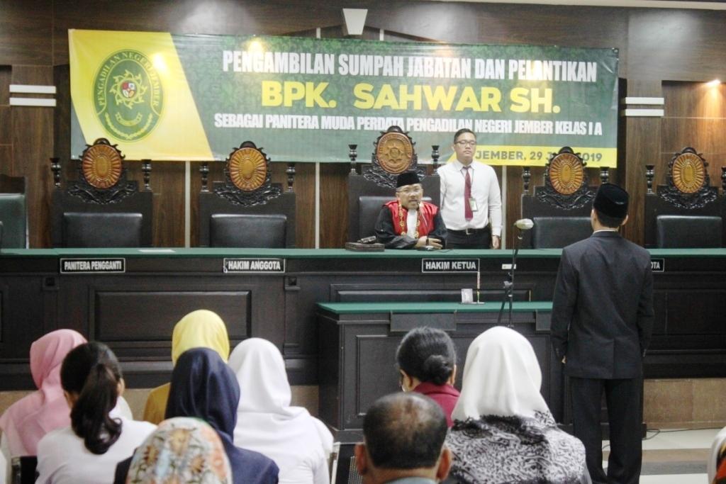 Pelantikan Panitera Muda Perdata Pengadilan Negeri Jember Kelas 1A