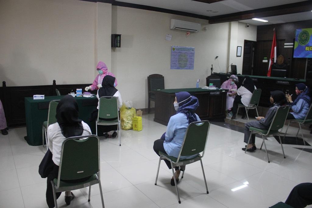 Pelaksanaan Rapid Test ke 2 di Pengadilan Negeri Jember
